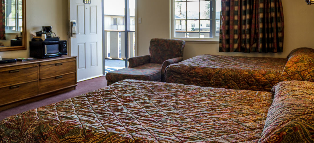 Double Room with Two Double Beds Available!